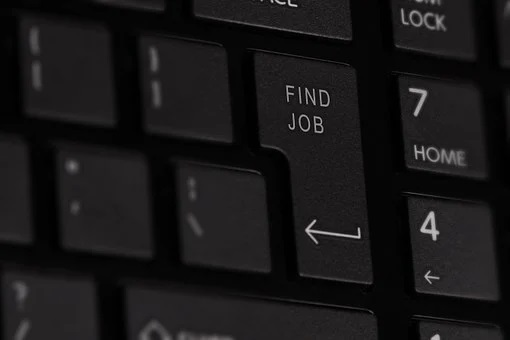 In two months, 735 thousand Russians lost their jobs