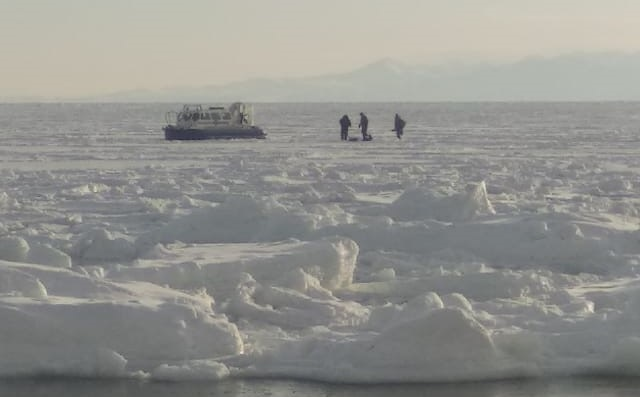 Three fishermen rescued from ice in Magadan