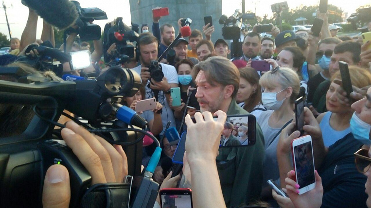 Sergei Shnurov released a film about the protests in Khabarovsk