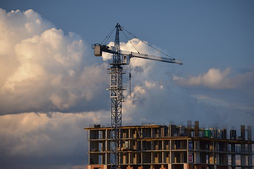 Large developers in Russia are looking for money for salaries