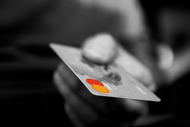 Russian banks have limited the issuance of credit cards