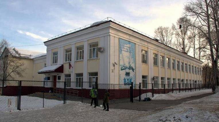 """Seven schools were evacuated in Khabarovsk due to """"mining"""""""