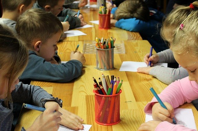 Doctors are offered to provide places in kindergartens out of turn