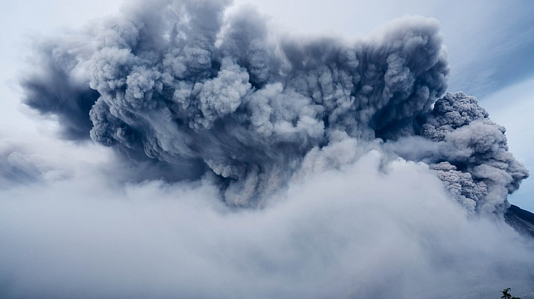 Kamchatka village fell asleep from the Shiveluch volcano