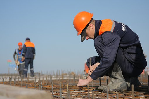 Government offered to retrain residents of the Far Eastern Federal District as builders