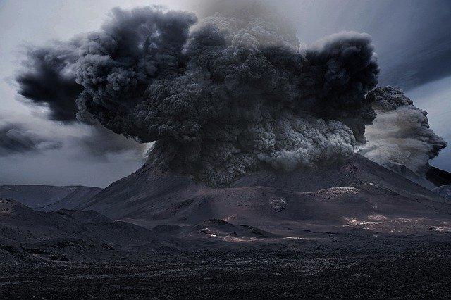 Klyuchevskoy volcano made ashfall in Kamchatka