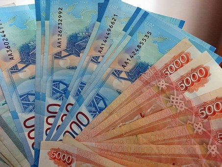 Residents of Russia massively withdraw cash from accounts