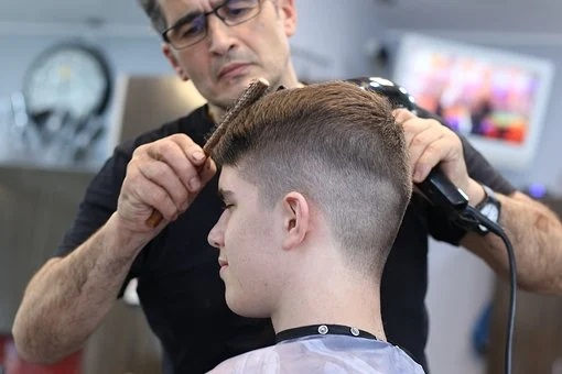Hairdressers Can't Get Salary Credits