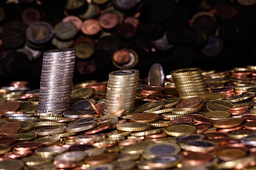 Almost 45% of Russians earn less than 15 thousand rubles