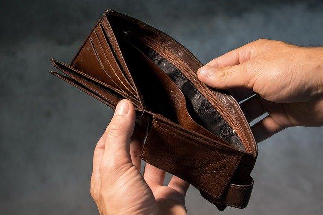 More and more loan debtors explain late work loss