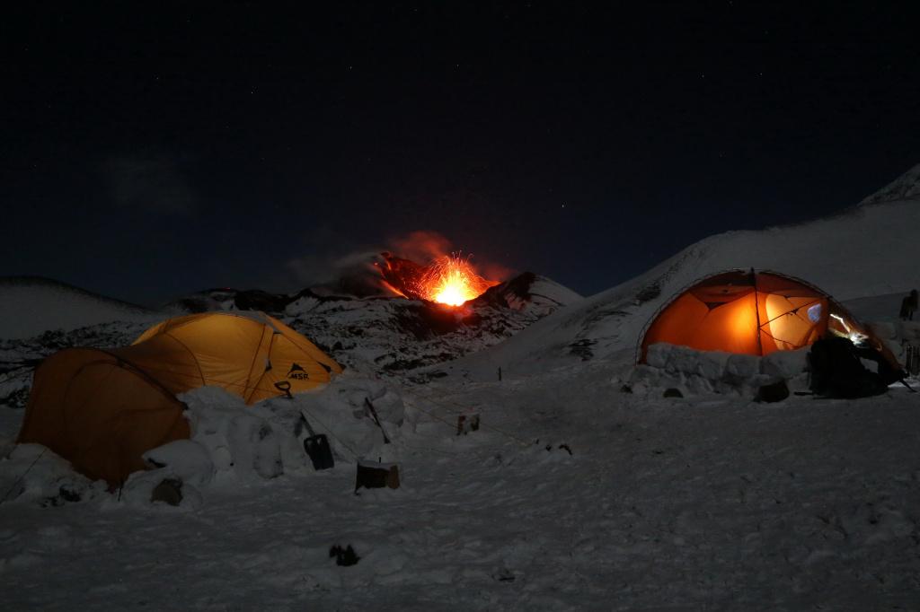 Photo by Yuri Demyanchuk. Volcano Tolbachik. Tourists camp near Naboko breakthrough 2013 g.JPG