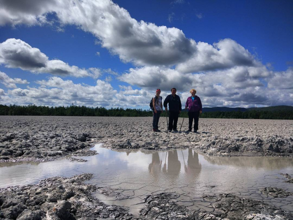 14 Moscow tourists on the Pugachev mud volcano. Photo by Julia Lunkina.jpg