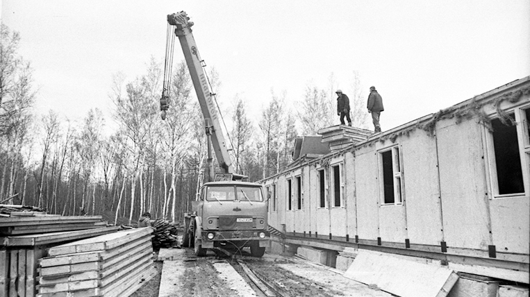 Construction of a hostel for the All-Union shock Komsomol detachment named after the XXVII Congress of the CPSU 2.jpg