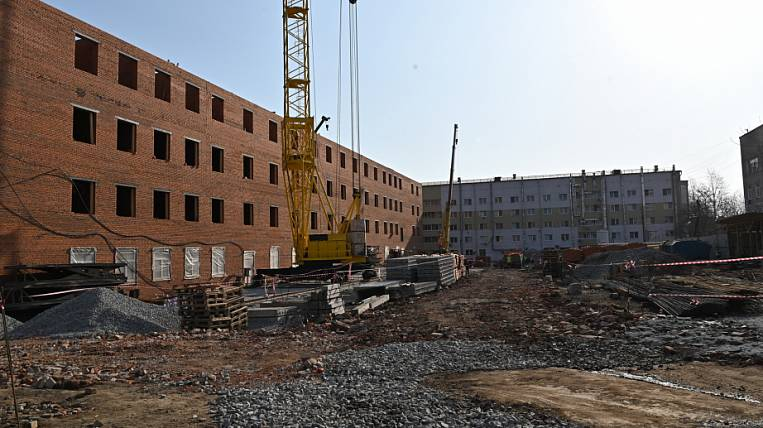 The ward building of the TB dispensary is being completed in Khabarovsk
