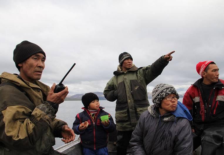 Eskimos: friendship across the ocean
