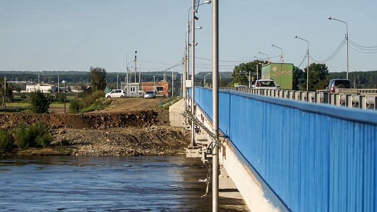 Temporary dams are urgently being completed in the Angara region