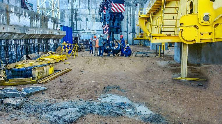 Builders on strike in Vladivostok resume work