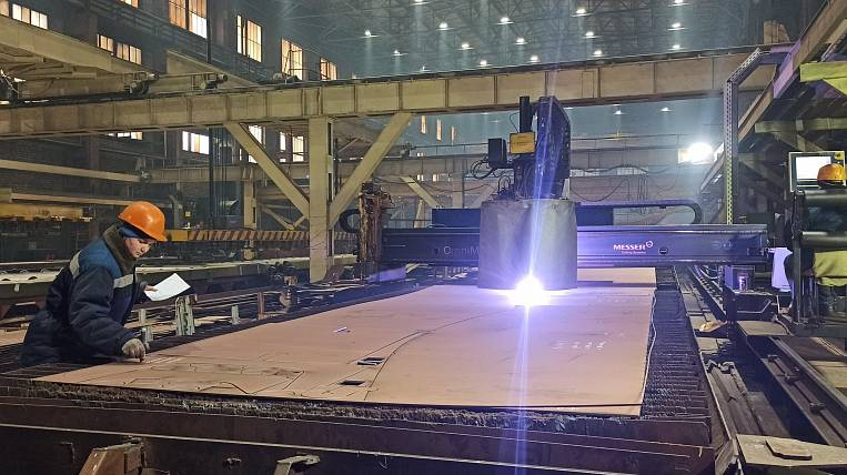 Metal cutting began for the first crab-processor of the Russian Crab Group of Companies