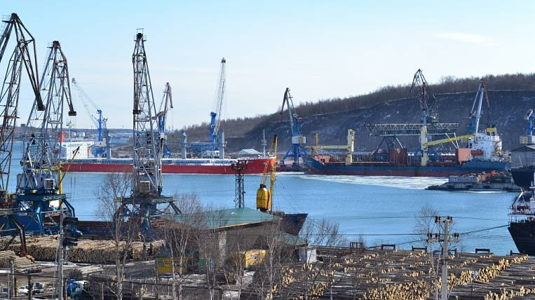 "Due to public complaints about coal dust, the Far Eastern Transport Prosecutor's Office verified the port of ""Vanino"""