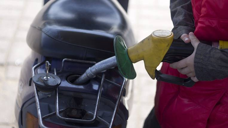 Retail gas prices rose record in Russia