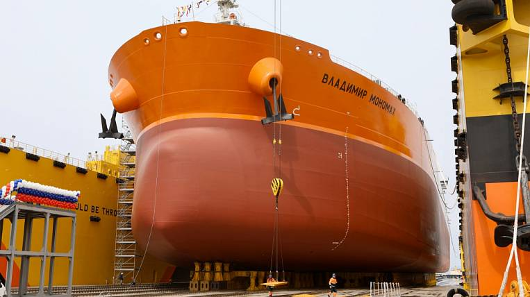 New Russian tanker Aframax refueled with highly environmentally friendly fuel from Rosneft