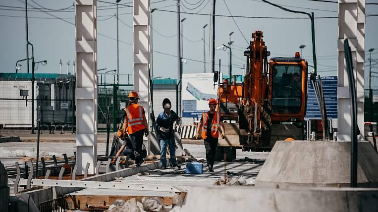Temporary storage warehouses began to be built for the Blagoveshchensk-Heihe bridge
