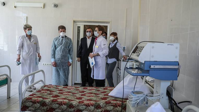 Primorye will receive a large batch of medical masks and protective suits