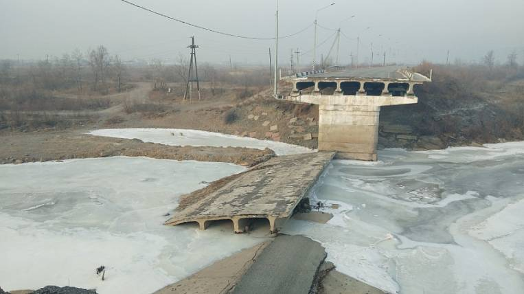 The bridge collapsed after the flood will be restored in Chita
