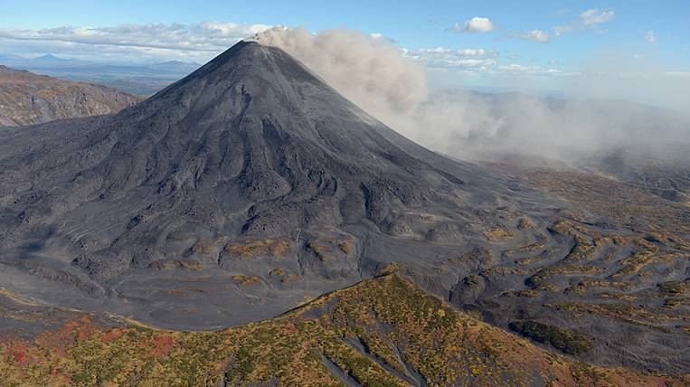 Kamchatka volcano erupted two-kilometer ash column