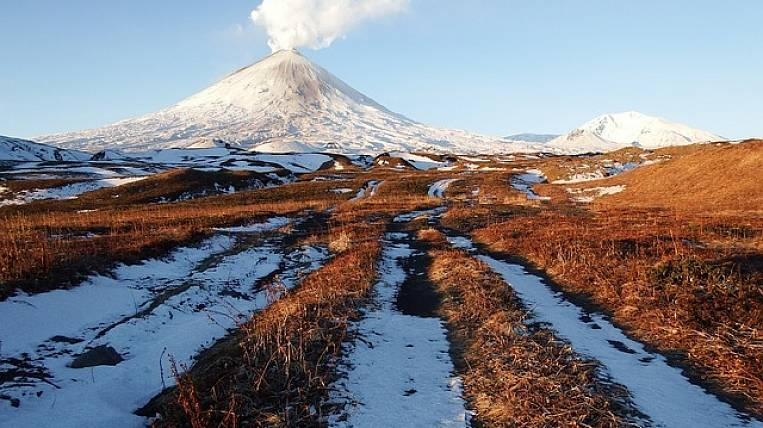 Several volcanoes at once intensified in Kamchatka