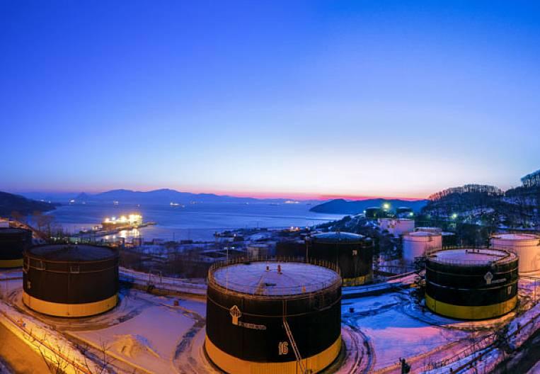 Japan-Russia: oil, gas, politics