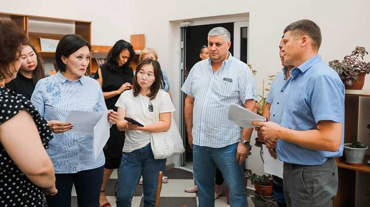 The building of a new school went cracking in Yakutsk