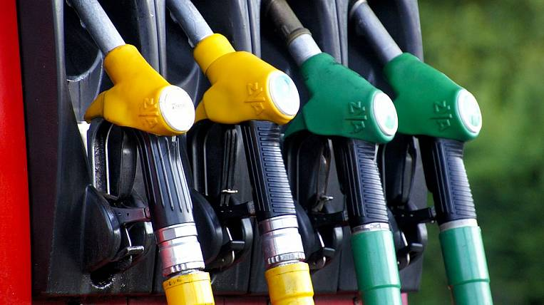 Russian gas stations convicted of fuel shortage