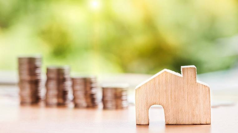 Banks began to increase the down payment on a mortgage