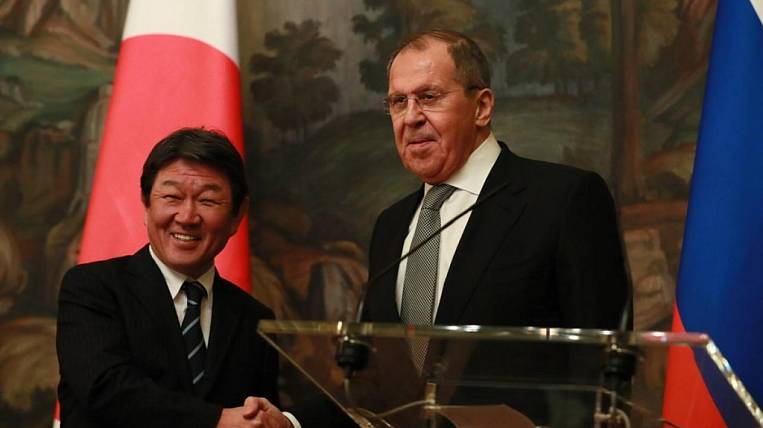Russian and Japanese Foreign Ministers discuss prospects for a peace treaty