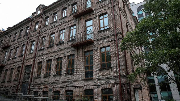 The cultural heritage site will become a hotel in the center of Vladivostok