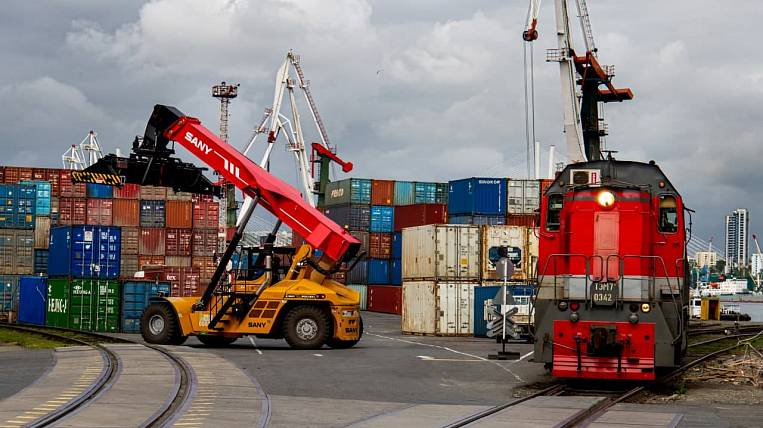 FESCO, VMTP and SIBUR signed an agreement on the development of cargo transportation