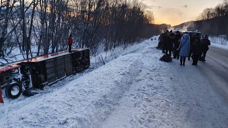Passenger bus rolled over on the highway in Kamchatka