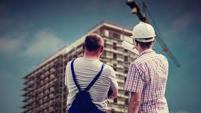 Salaries increased by Russian builders and processors