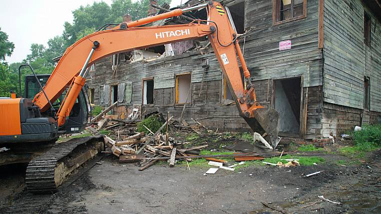 Another barrack in the city center is demolished in Khabarovsk