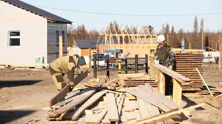 The first house for victims of the fire was built in a village in Yakutia