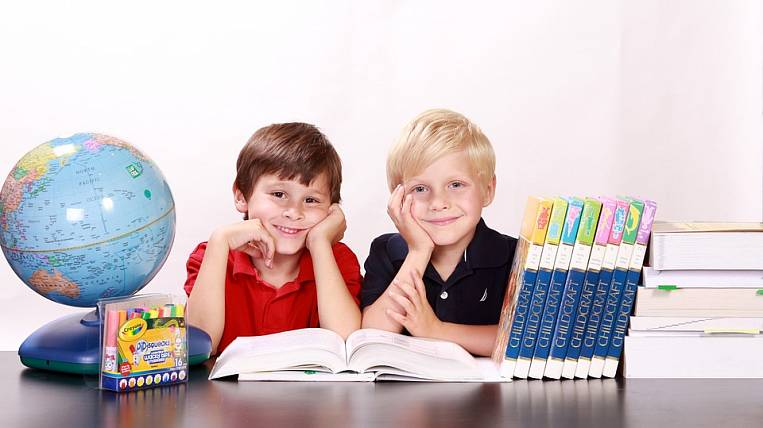 VTsIOM: expenses for preparing children for school doubled