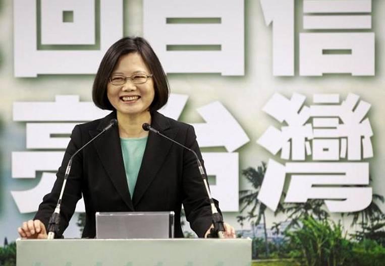 Taiwan sails away from China