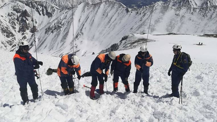 The bodies of two dead tourists were recovered from an avalanche in Buryatia