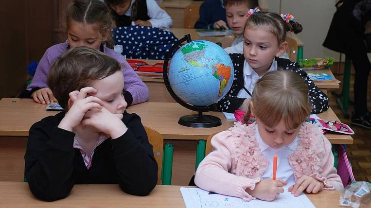 The date of the resumption of schools in normal mode was called in Russia