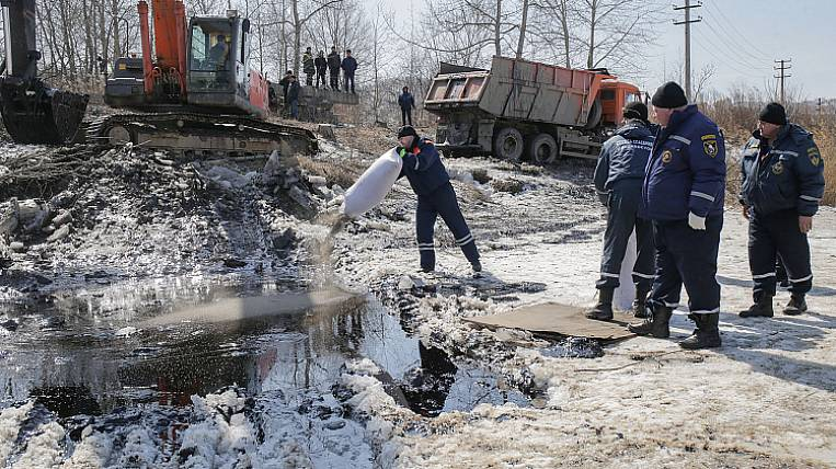 The reasons for the release of fuel oil in Nakhodka named in Primorye