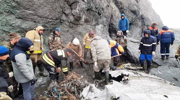 """Rescuers found """"black boxes"""" of the crashed An-26 in Kamchatka"""