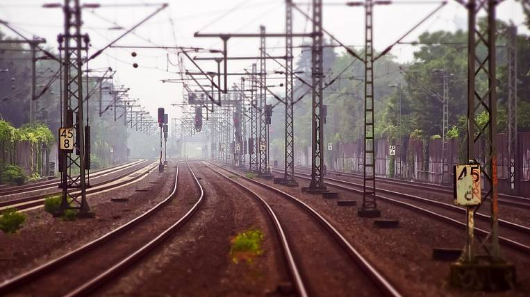 Ministry of Finance proposes to reduce passenger trains at BAM
