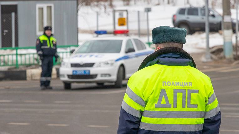Bus with shift workers overturned in the Khabarovsk Territory