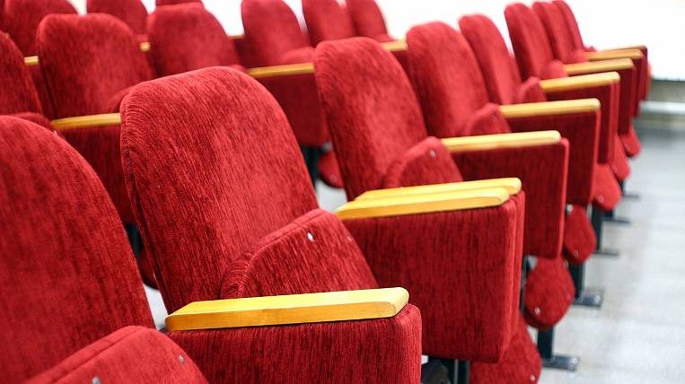 Cinemas and motels will support in Primorye